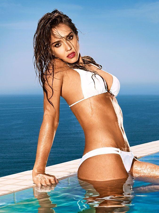 Jessica Alba Sexiest Clevage Photos